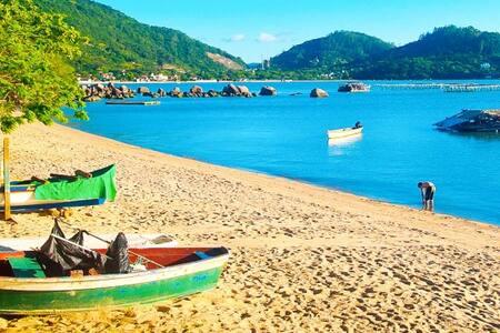 Quarto/Banheiro residência familiar na praia 1 - Florianópolis