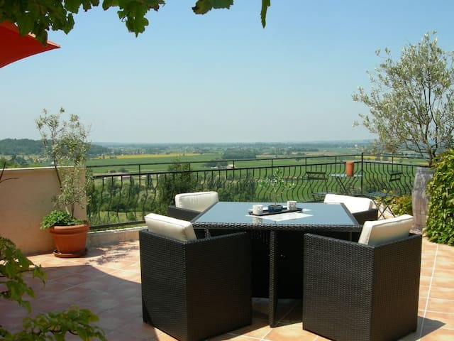 Family Room close to Saint Emilion - Pujols - เกสต์เฮาส์
