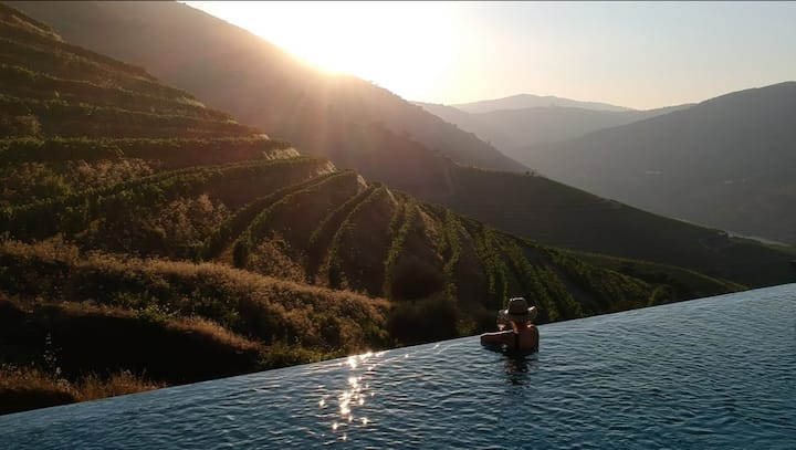 Douro Quinta with Stunning Views