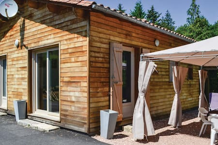 Holiday cottage with 2 bedrooms on 50m² in Savignac-Les-Eglises