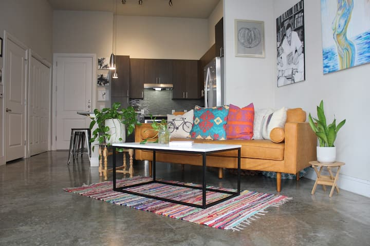 Art Gallery Apartment in the Heart of East Austin