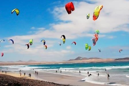 A 10min Aeropuerto Tenerife Sur/ Playa El Medano!