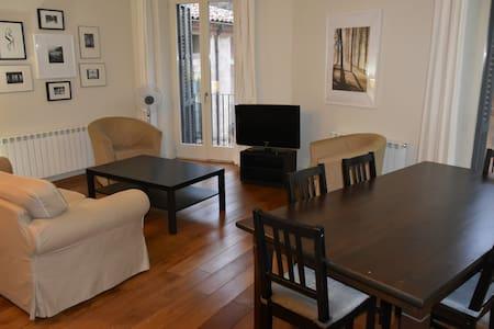 Apartaments La Fonda, pisos amb encant a Cardona. - Cardona