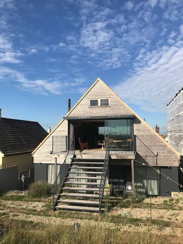 Lovely beach house at Greatstone, Dungeness, Kent