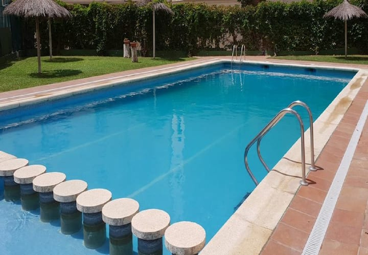 Orbis 501(2/4pax)-Free WiFi-Pool-50m Beach