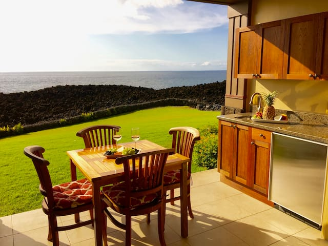 OCEAN FRONT 2 BED 2 BATH VILLA WITH PRIVATE LANAI