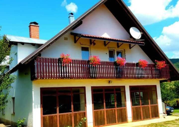 Apartments & rooms ''Velebit''