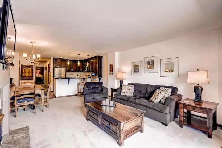 Deluxe Condo with Fireplace, Balcony, and Modern Kitchen | Located Near the Gondola!