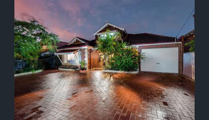 30%Discount-Massive Home near PERTH CITY
