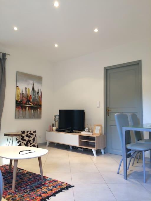 petite maison individuelle de 40m2 houses for rent in calenzana corsica france. Black Bedroom Furniture Sets. Home Design Ideas