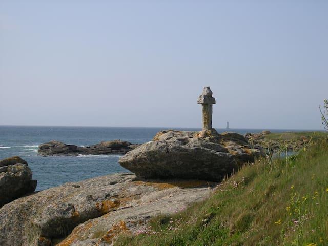 Vue mer imprenable, beauté, silence, lumière... - Porspoder - Haus