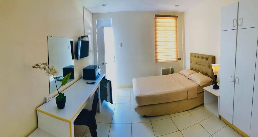 Spacious Room with Pool  Access & Free Parking