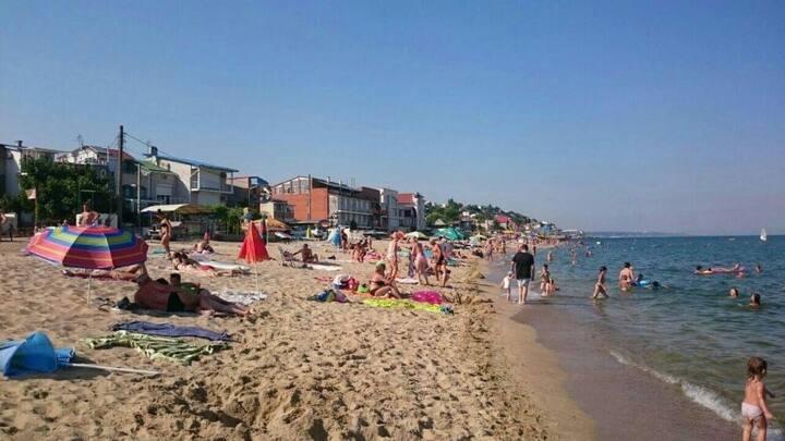 Одесса-Совиньон, 30 метров до пляжа, широкий пляж