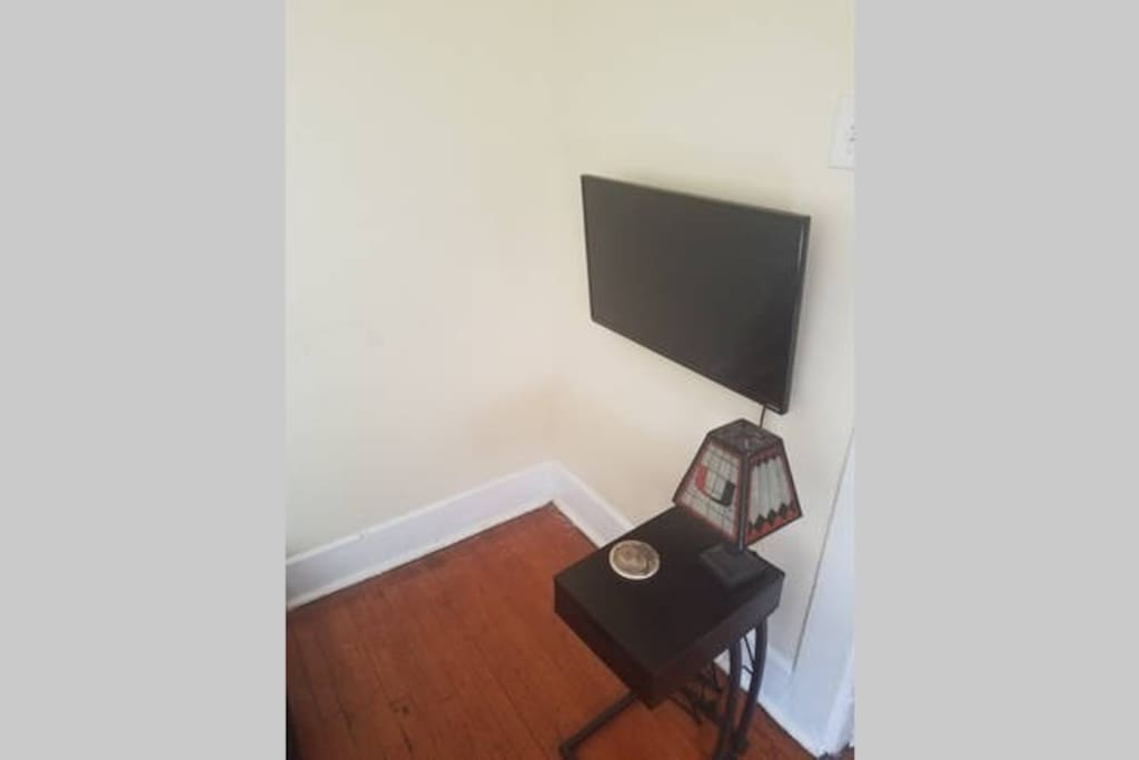 Mounted TV with Chromecast and Netflix capabilities