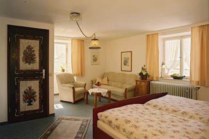 Pension Kaiserhaus, (Ühlingen-Birkendorf), Doppelzimmer 5 mit Dusche/WC