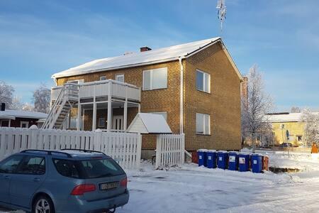 Stor möblerad lägenhet mitt i Jokkmokk
