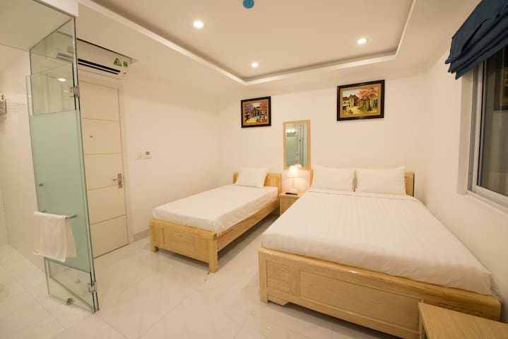 Warmly Family room,center Hanoi,AC and clean