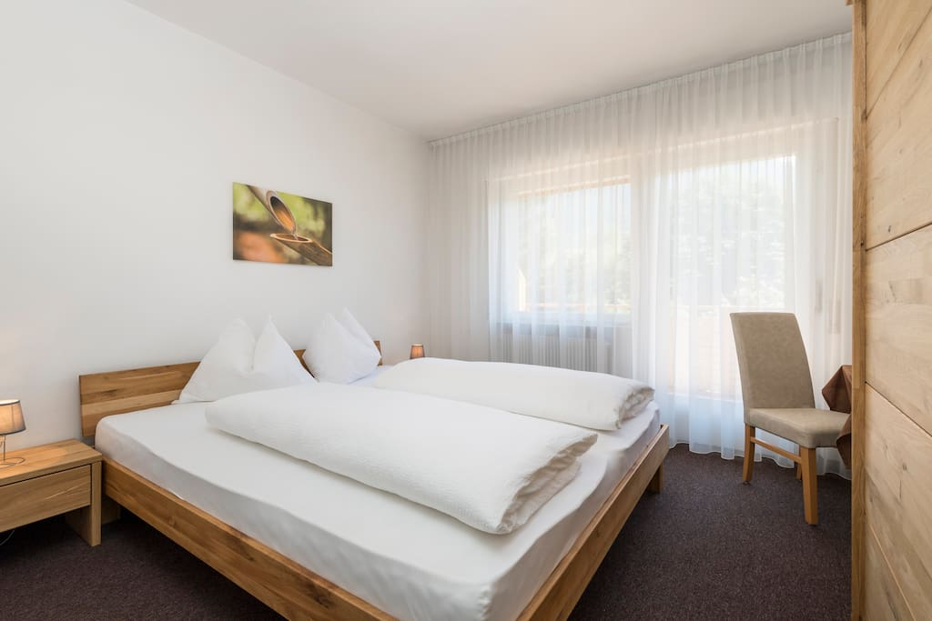 Doppelbettzimmer mit Südbalkon