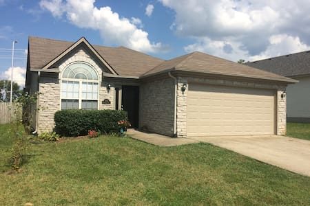 Family Home on Leestown near Airport & Keeneland - Lexington