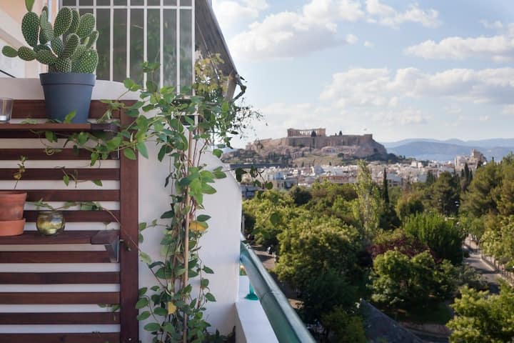 Acropolis view loft