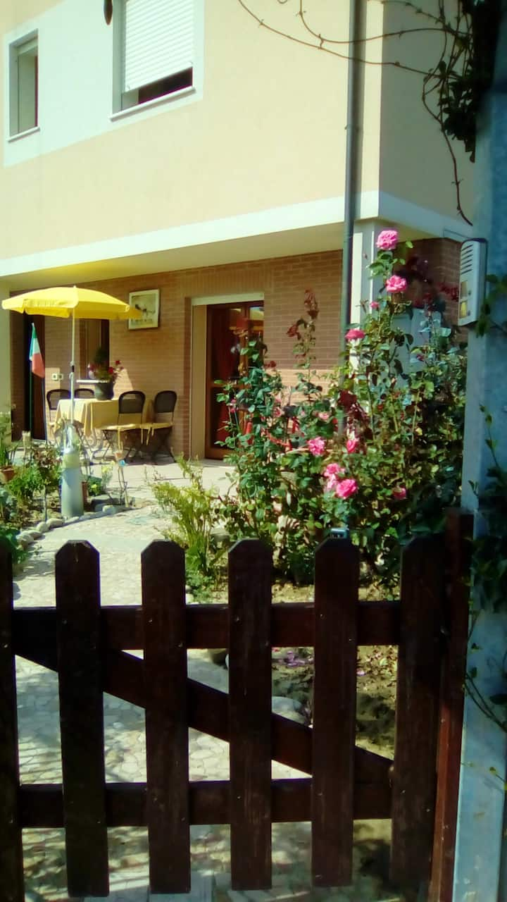 Apartment with one bedroom in Cesenatico, with enclosed garden and WiFi - 1 km from the beach
