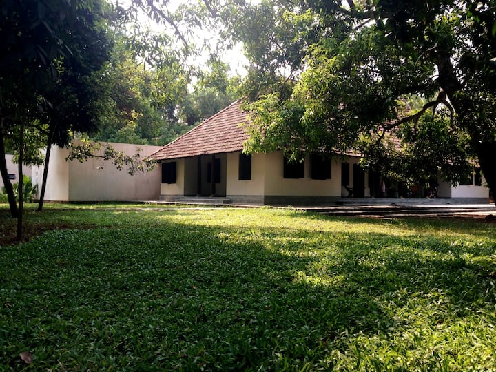 Anugraha, A Villa By The River Near Kumarakom