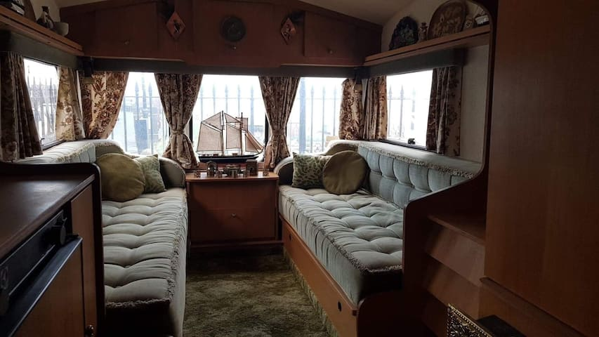 Totally original vintage 1970's caravan & sea view