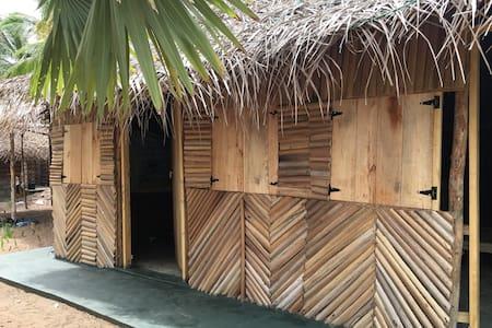Sun Wind Beach Kalpitiya Backpacker Twin Bed Room
