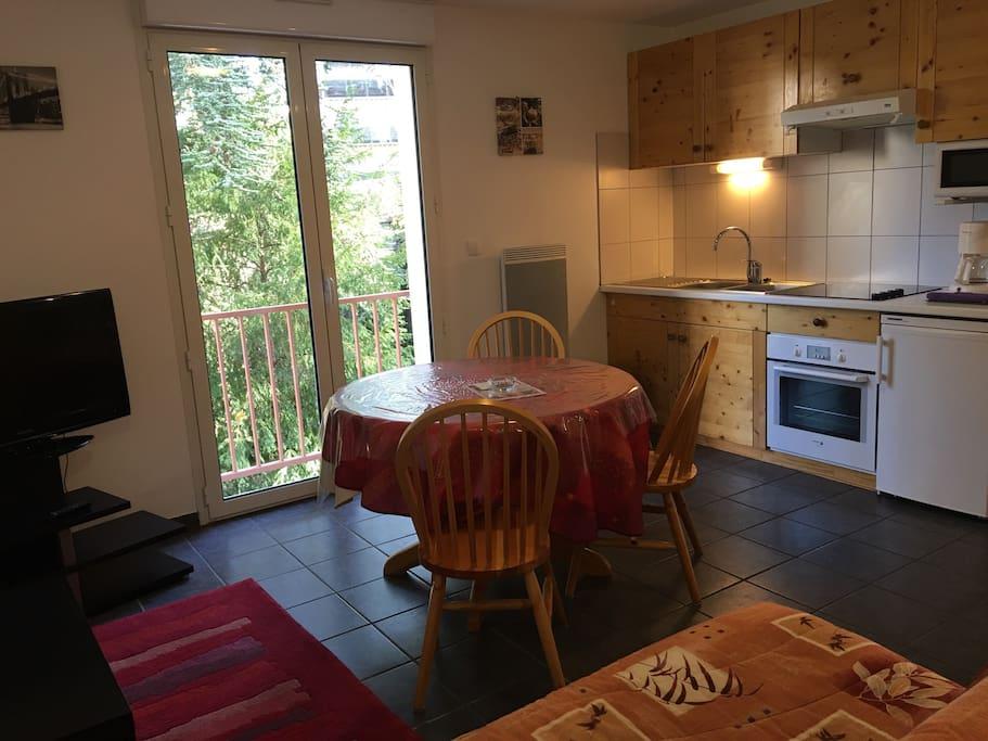 Le salon côté cuisine