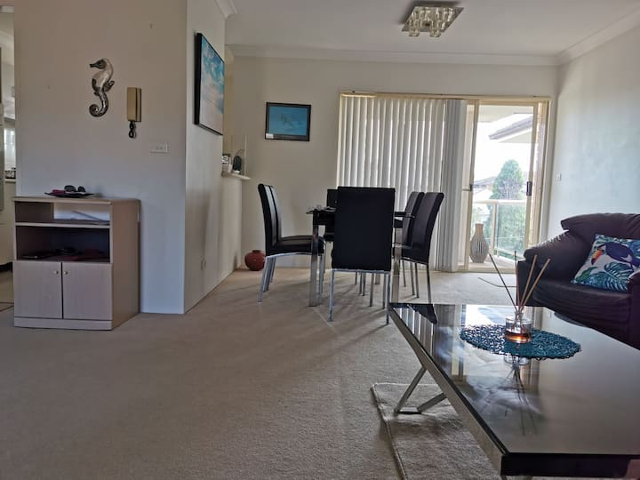 Private room in Cronulla near RSL, pubs and mall