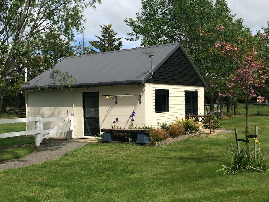 Black Peak Cottage