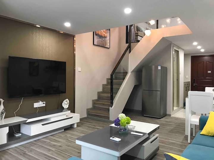 【时光里】猪妈妈的家|LOFT复式|高级小区|两房|长隆|长租优惠|城市中心|明珠站|北师珠|北理工