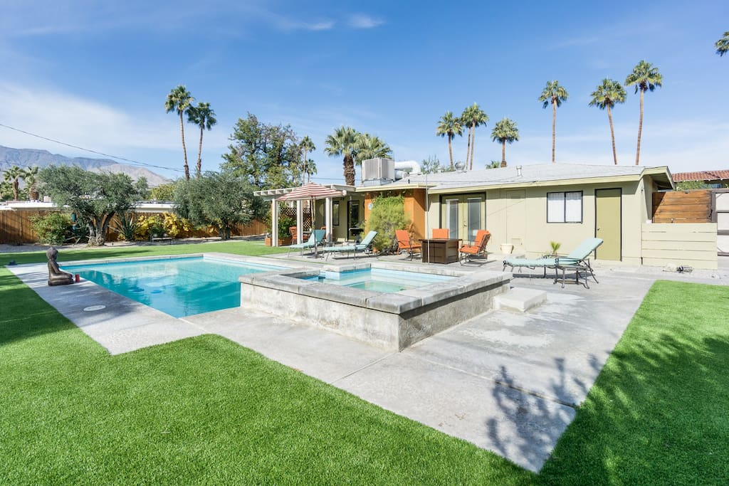 Guests love the spacious fenced-in yard and amenities