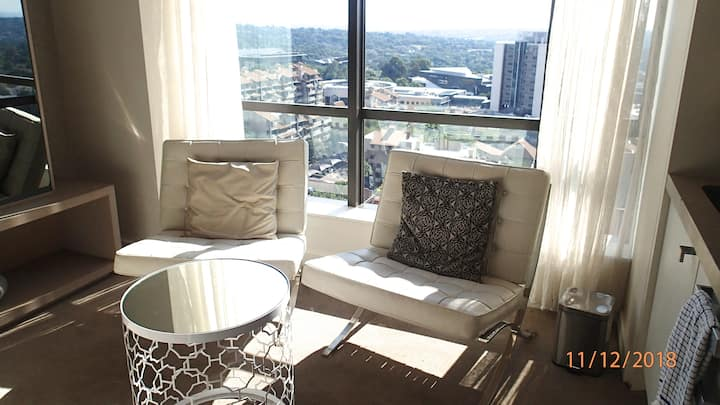 Comfortable and modern apartment + stunning view !