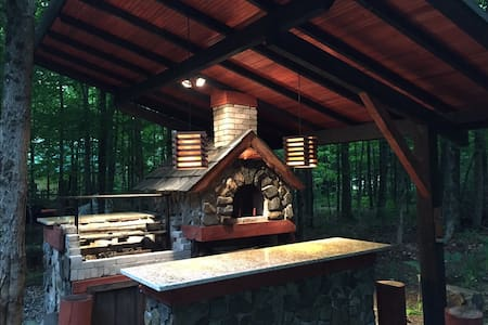 Lovely Chalet with Spa, Smoker and Pizza Oven