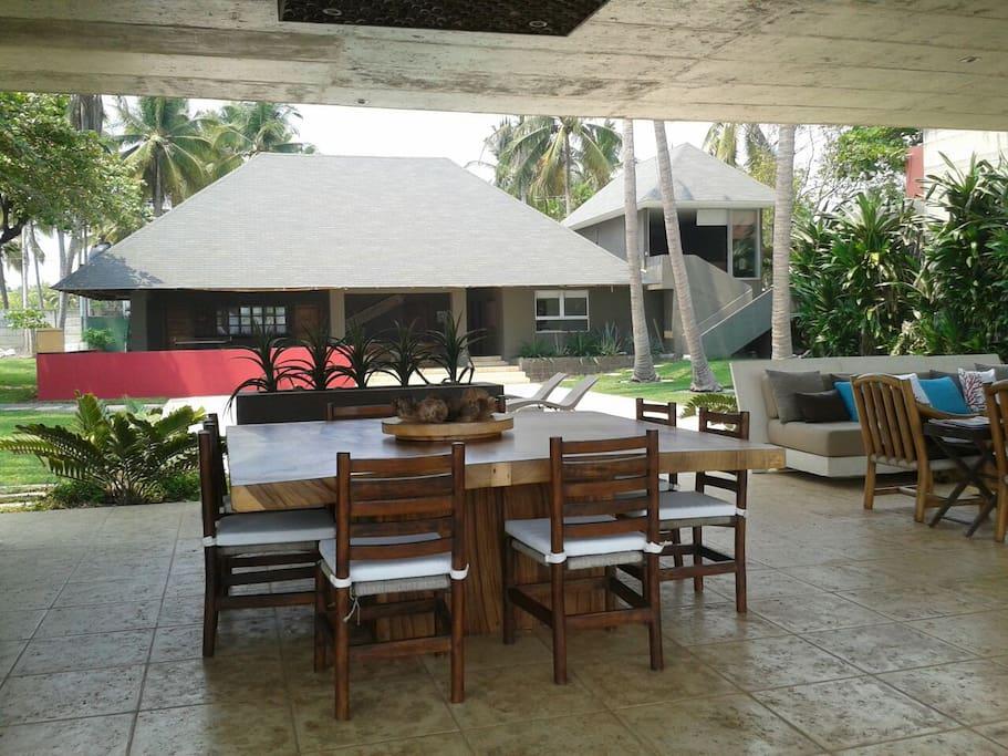 Dining Area facing the Ocean