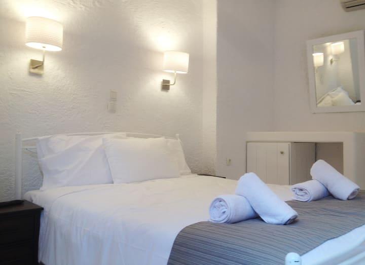 Auberge 32 Standard Room