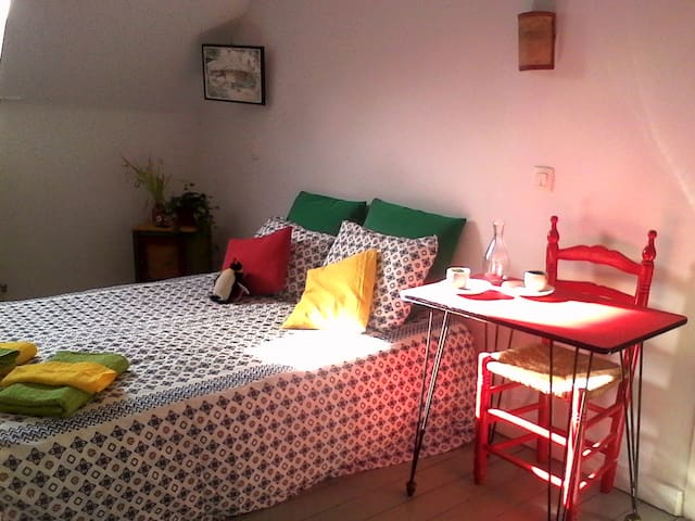 NEW. Cosy room in the roof. - Saint-Gilles - Apartment