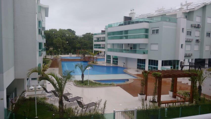 Confortável com 2 quartos e vista - Florianópolis - Lägenhet