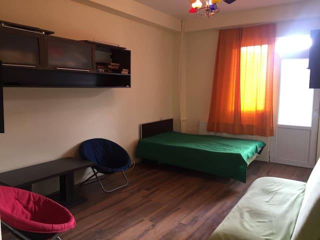 Good-Aura Apartment near Marco Polo