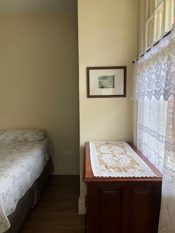 Visão entrada dormitório casal