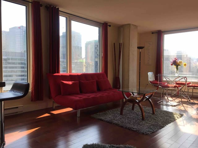 Top condo in Hilton, Old Port