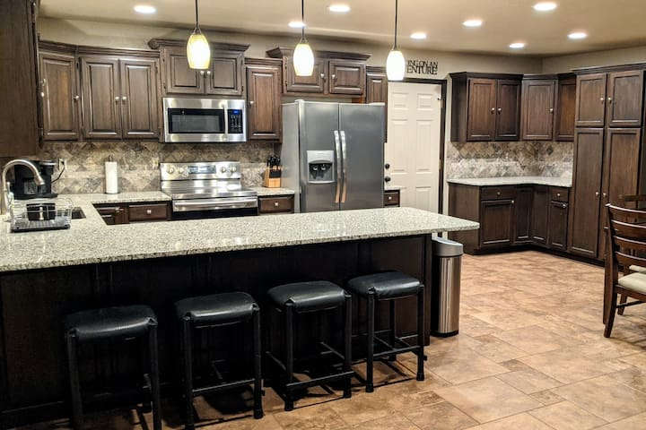 UPDATED home walking distance to Hard Rock Casino!