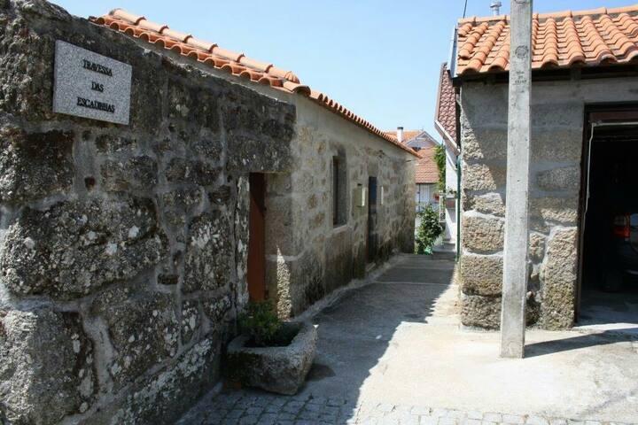 Casa de pedra, o charme do rústico - Viseu - Rumah Bumi