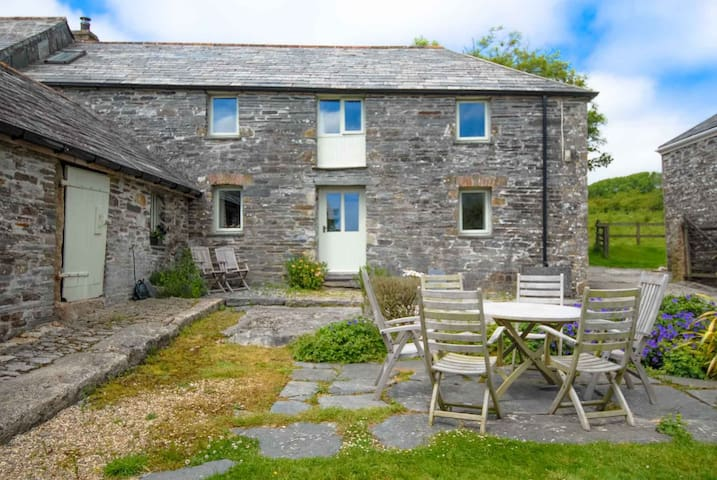 Mundens Cottage - Delabole near Port Isaac - Huis