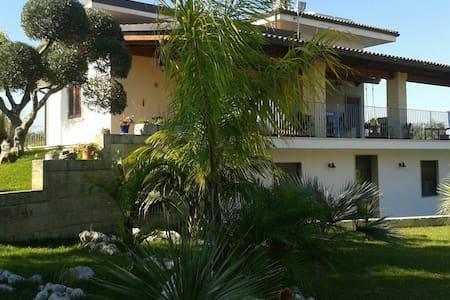 Accogliente stanza vicino Otranto - Borgagne - Villa
