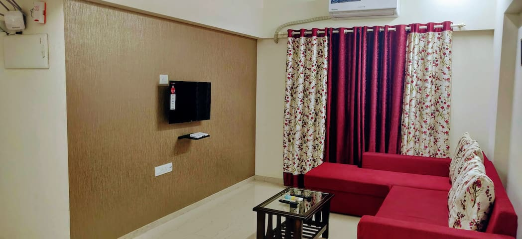 BLISS 17:ANDHERI(W) SPARKLING CLEAN-2BHK APARTMENT