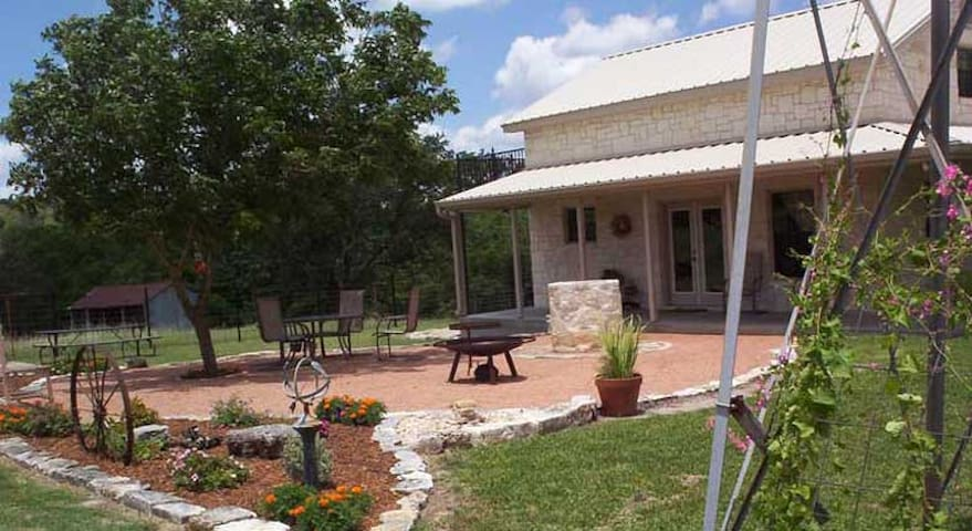 Country Memories Country Property with Great Views - Fredericksburg