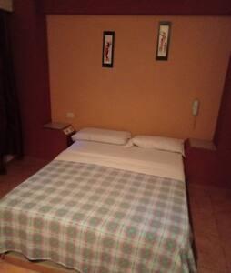 Hotel alojamiento Osiris.
