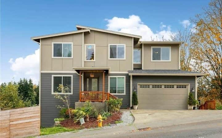 Next to Airport and Seattle best areas